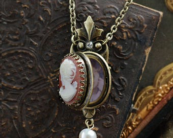 Victoria Cameo Locket, Cameo Locket, Cameo Necklace, Cameo Jewelry, Victorian Necklace, Victorian Locket, Vintage Locket N1581