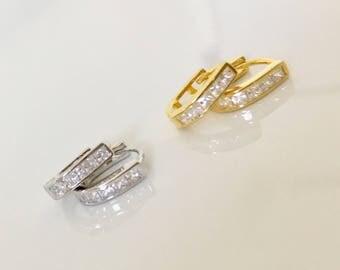 Cz Ear huggies, huggie hoop earrings, Cz earrings, Minimalist Earrings. Gold Earrimgs