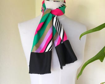 60s mod scarf stripe hot pink green black white striped frayed end oblong long head scarf neck scarf