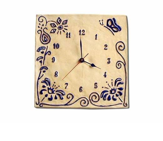 Horloge personnalisable avec fleur bleue et papillon - Pendule murale papillon ...