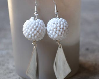 Earrings, round seed beads woven