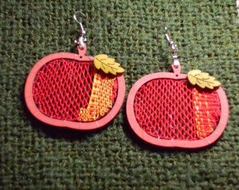 Handmade bobbin lace earrings Apple