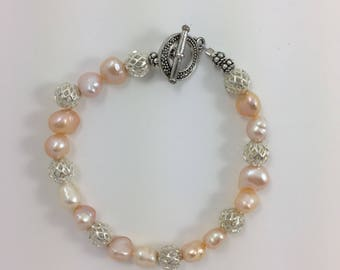 Fresh Water Pearls Bead Bracelet by Pottery Lovely