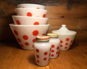 Vintage mixing bowl Fireking red dots with shakers