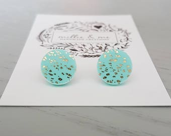 Polymer clay earrings/ mint and gold clay stud earrings/ polymer clay jewellery/ mint/ polymer clay/ clay jewellery/ earrings/ gold earrings