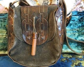 Vintage 70s Tooled Leather Handbag Hippie Suede Shoulder Bag Festival Purse Wooden Peg Closure Boho Bohemian 1970s