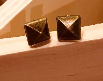 Bronze square studs
