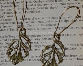 Antique bronze leaves Stud Earrings