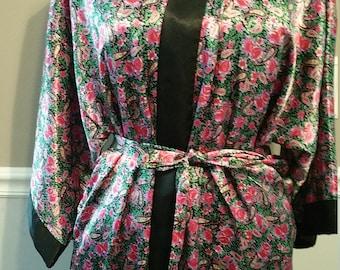 Sedu Lounge Robe. Kimono Style. Size Medium.