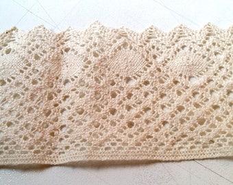 Large strip of cotton lace