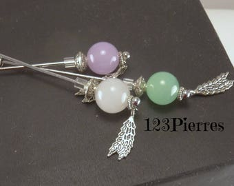 White jade (gemstone) fibula with feather charm. To attach scarf, vest, or like a pin - An 123Pierres jewel