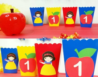 10 Personalized Snow White Inspired Favor/ Snack Boxes