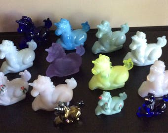 Collection of Vintage Glass 10 Boyd Lucky and  3 Little Luck Unicorn figurines