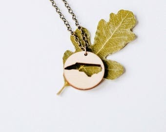 North Carolina Reverse Outline Circle Necklace Laser Cut Wood Charm Baltic Birch Pendant North Carolina State Necklace State Shape Necklace