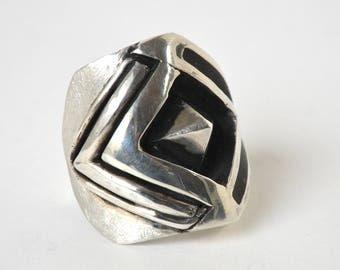 Very masculine men's ring true in silver