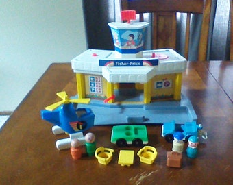 Vintage Fisher Price Little People Play Family Jetport #933 1981 Airplane Airport