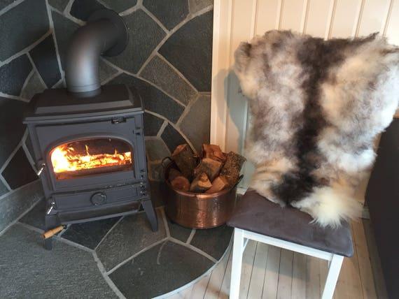 Decorative Sheepskin rug supersoft rugged throw from Norwegian norse breed medium locke length sheep skin grey black 18032