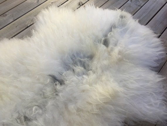 Real Sheepskin rug supersoft rugged throw from old Norwegian spael breed long haired sheep skin genuine grey white 18060