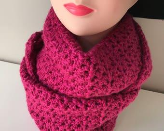 Crochet infinity scarf - fuchsia