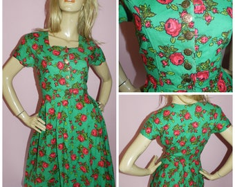 Vintage 50s Green/Pink ROSE print DIRNDL Tea dress 12 M 1950s Cotton Mid Century Box pleated