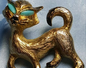 ON SALE : Vintage Cat Pin Brooch with blue eyes