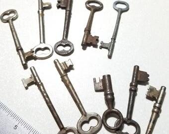Vintage lot of 10 Skeleton Keys Steampunk lot2