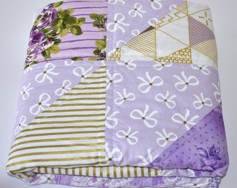 SHIPS TOMORROW! SALE - Purple and Gold Roses Crib Quilt, roses, modern quilt, modern nursery, glitzy bedding