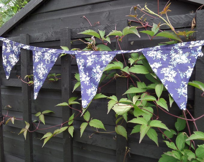 """Floral Bunting, Handmade, FREE SHIPPING, Unused, 11 Bunting Flags, Blue Floral Cotton Material, 104"""" (264cm) End to End"""