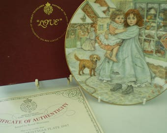 Royal Worcester Fine Bone China Collectors Plate : The NSPCC Christmas Plate 1987 - 'Love' - Compton & Woodhouse - Made in England