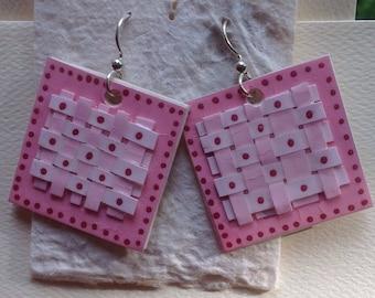 woven *pink*paper earrings by paula