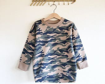 Sweatshirt with camo print