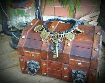 Sunken treasure necklace