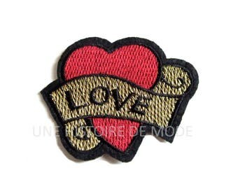 Patch fusible badge tatoo heart Love to sew or iron 70 x 55 mm - TATOO - embroidered patch