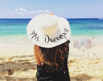 Mrs. Beach Hat - Honeymoon Beach Hat - Floppy Hat - Personalized Floppy Hat - Personalized Bride Gift - Bridesmaid Gift - Bridal Party Hat