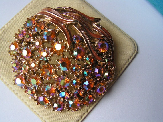 Lovely vintage large sparkly AB diamante brooch