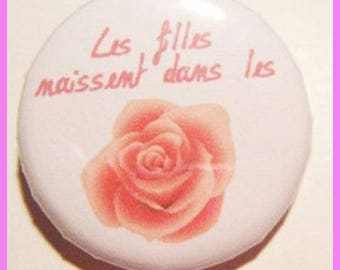"""♥ Badge birth """"girls are born in roses"""" ♥"""
