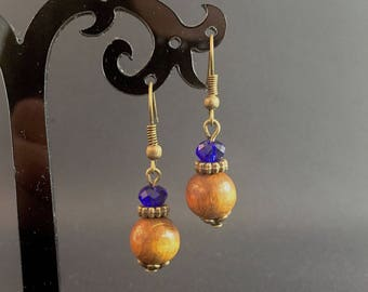 Khaki, blue and bronze earrings made of wood and glass