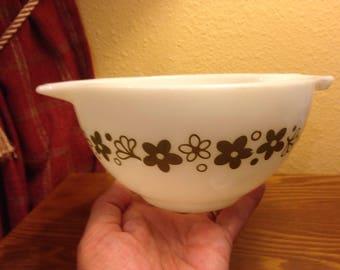 Vintage Pyrex Crazy Daisy/Spring Blossom Green #441 Serving Bowl