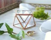 Small glass box for wedding rings. Wedding glass box. Jewelry box. Geometric. D Day. Big D. Wedding proposal. Gift. Valentin's Day