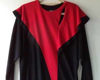 80's avant garde dress// Vintage Dawn Joy Fashions// Black red holiday bat wing fitted mid length// Women's size 7 8 USA medium