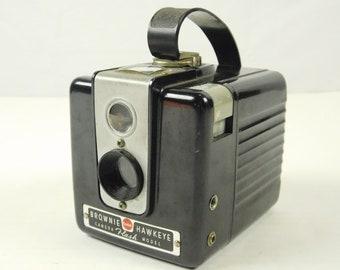 Vintage 1950s Eastman Kodak Brownie Hawkeye Flash Model Box Camera 620 Film USA Theater Office Travel Wedding Photography Prop