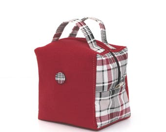 The alliance of a beautiful red fleece and a Scottish cotton spirit Burberry - cosmetic bag, medication, girl stuff - Kit