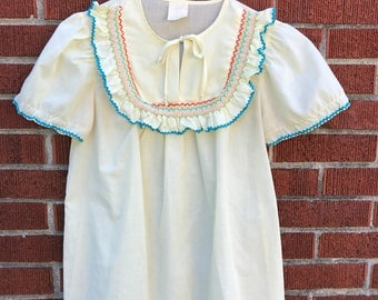 Vintage Pale Yellow Embroidered Top