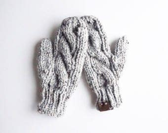 Cable Knit Mittens   Grey