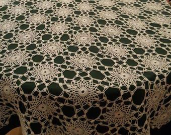 White crochet tablecloth (110×60)