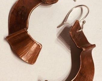 Foldformed boho earring