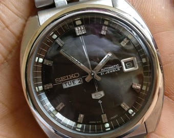 Original VINTAGE SEIKO 5 automatic watch ~ very rare DAY@ 9 And Date @ 3 old antique~Super rare