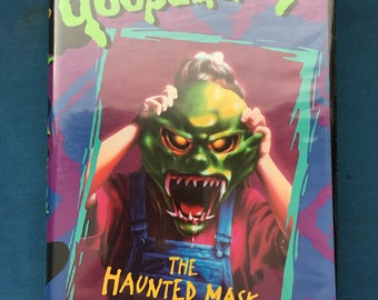Goosebumps The Haunted Mask VHS Video Clamshell