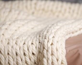 "Chunky knit blanket, Knitted wool blanket, Chunky knit throw, Super bulky blanket, Merino wool throw, Wool blanket white, 40""x60"""