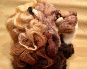 Needle felted lion head, needle felted lion sculpture, needle felted lion doll, false taxidermy, Waldorf animal, wool lion, wool sculpture